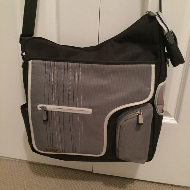 *REDUCED*JJ Cole Metra Nappy Bag