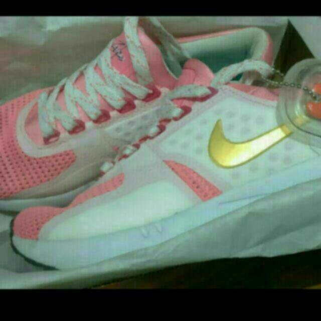 Nike 女鞋 22.5cm 現貨一雙