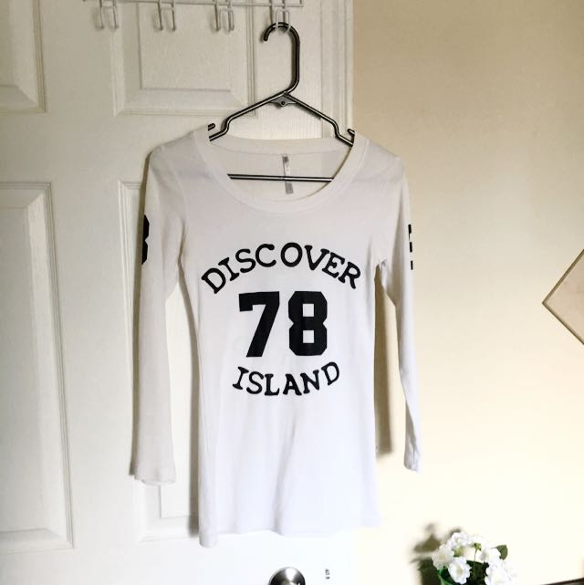 Long Sleeve Discover Island White Shirt