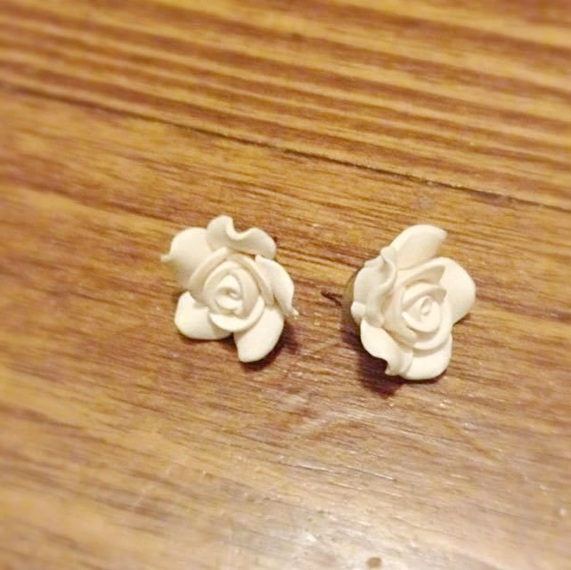White Flower Earings