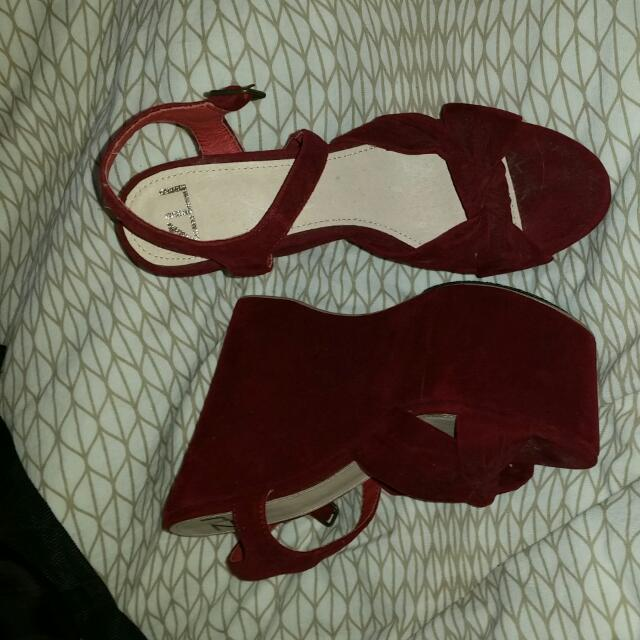 Zu Wedge Size 37 Brand New Condition