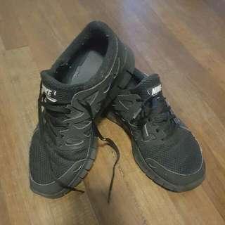 Nike Runners Black Suede