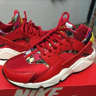 -近全新品-NIKE WMNS AIR HUARACHE RUN PRINT_US:8 (紅花武士)