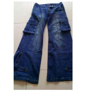 Flare cargo jeans (jeans cutbray) size 27-28 (M size)