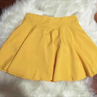 YELLOW SKATER GIRL SKIRT
