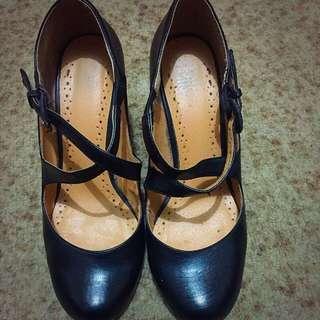 Low Heel Criss Cross Almond Toe Heel