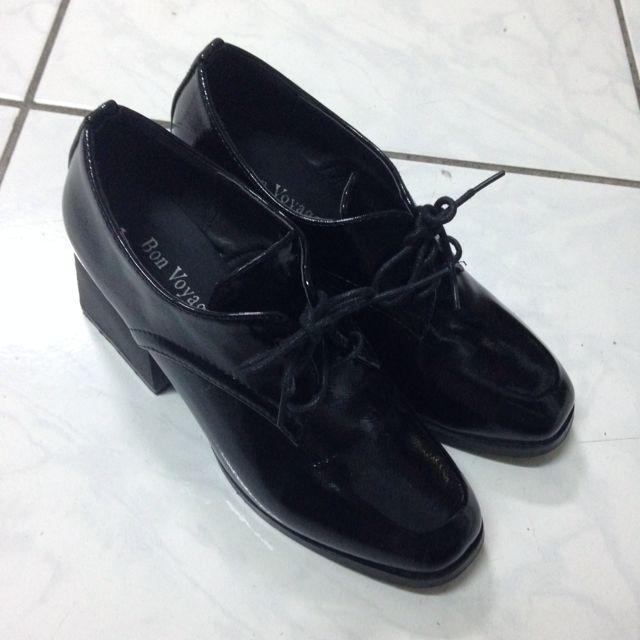 中性風率性跟鞋