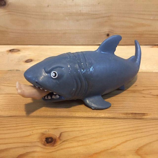 日本進口 大白鯊 絕鯊島 鯊魚 SHARK 整人玩具 趣味玩具