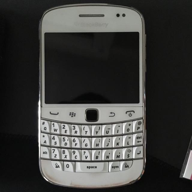 Black Berry bold 9900 Without Camera