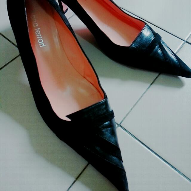 Black Pointy Shoes (Size 9.5 / 26-27cm)