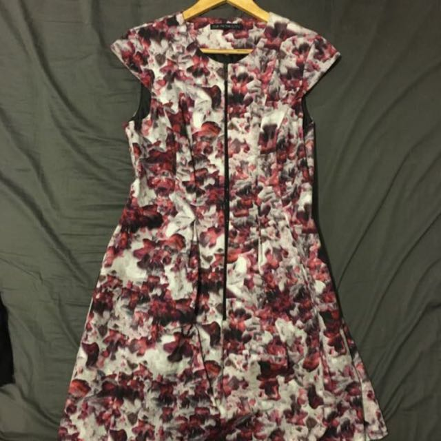 Cue In The City Dress