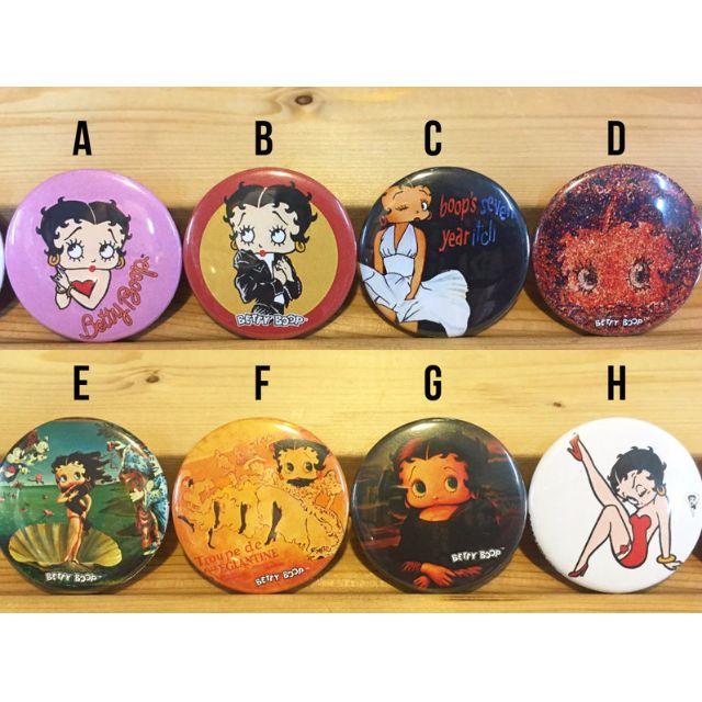 (I LOVE樂多) 日本進口 經典千變萬化性感貝蒂 BETTY 別針 胸章 徽章 共八款供你選擇