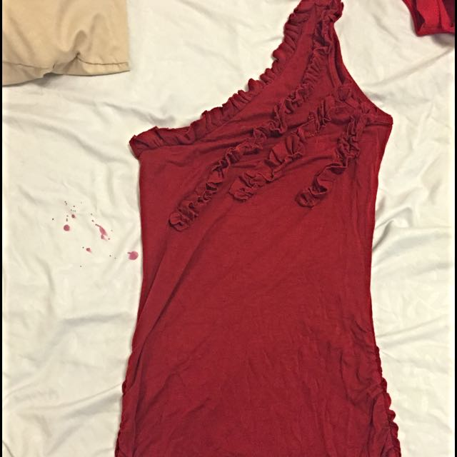 One Sleeve Red Shirt With Small Ruffles