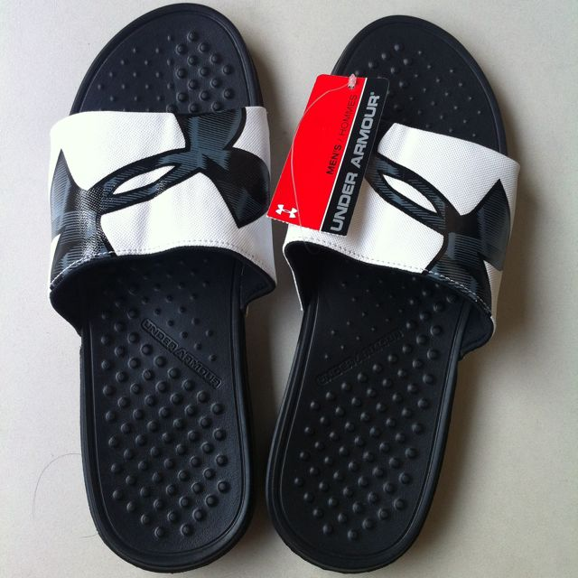 Original Under Armour Men's Strike Slides Size 9 (Black Logo)
