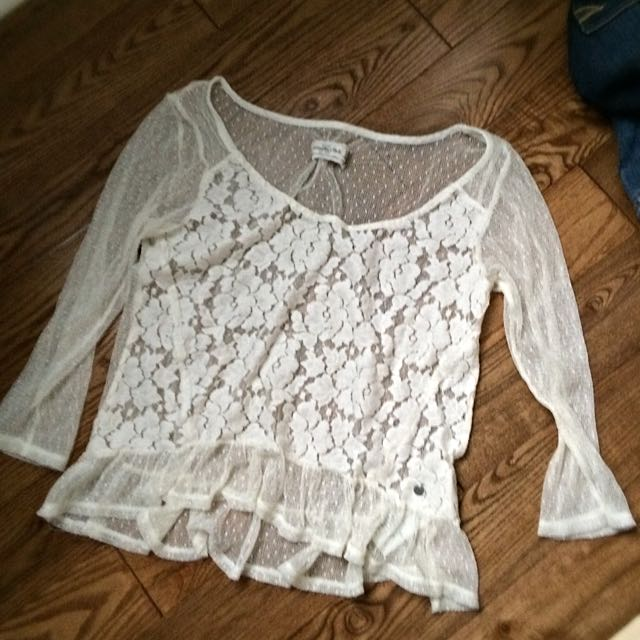 pretty abercrombie lace top