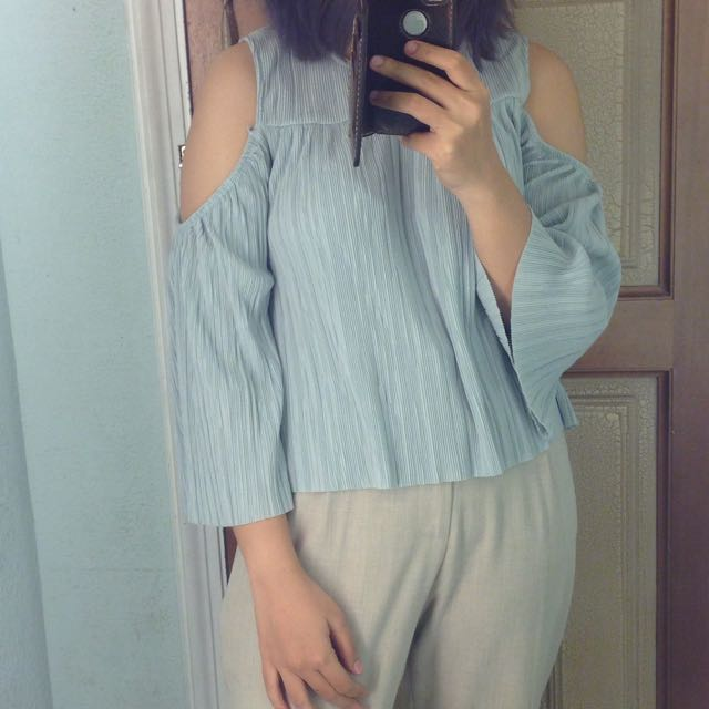 pull And Bear cut Out