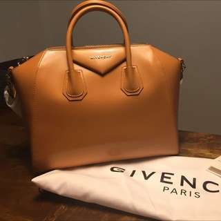 Givenchy Medium Antigona In Caramel