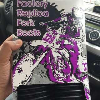 Daystar 408 Fork Boots
