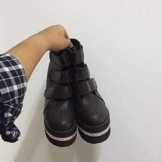 (RESERVED) Black In-Sole Heels