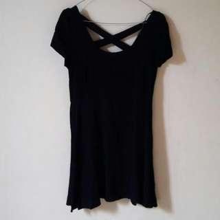 FOREVER 21 - Black Mini Dress