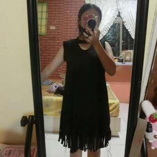 繞頸黑洋裝