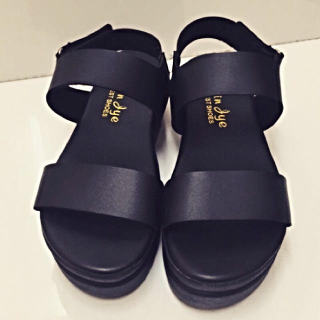 原價450 夏天必備厚底涼鞋