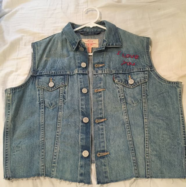 Levis Denim Vest (Festival Wear!)