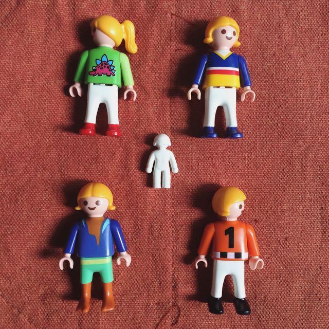 Lot of 4 Playmobil figures