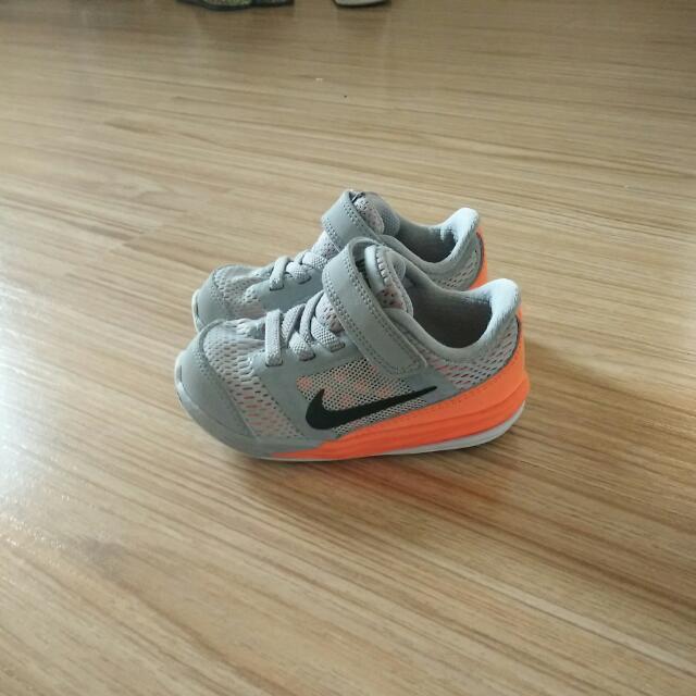 Nike Shoes Size Uk 5.5 Child