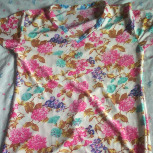 V -neck T shirt(Floral)