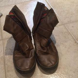 Blowfish Med. Brown Boots