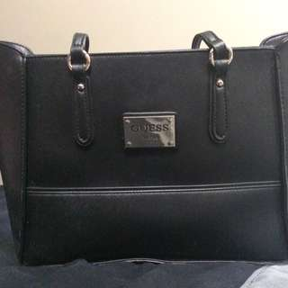 *Price Reduced* Guess Purse