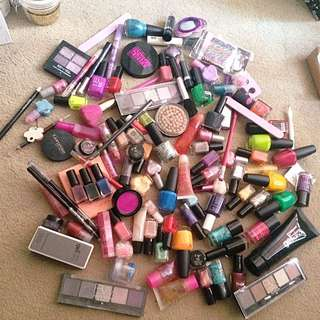 Makeup/nail Polish Products