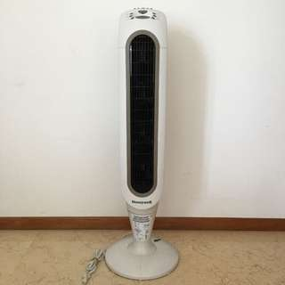 HONEYWELL TOWER FAN IN EXCELLENT CONDITION