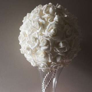 Kissing Ball Centrepiece - For Hire Only