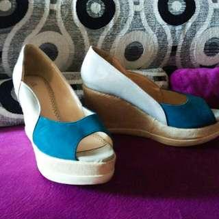 Sepatu Wedges Bellagio