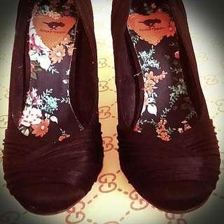 Brand: Rocketdog Heels Shoes Color: Black Size: 7.5