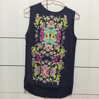 Like New!! Sleeveless Chiffon Floral Printed top