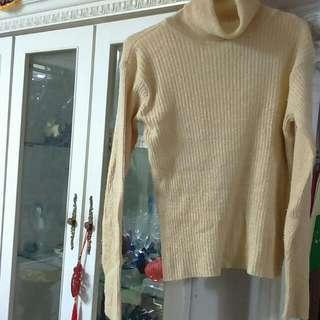 降-鵝黃色金蔥薄毛衣