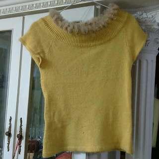 降-黃色毛毛毛衣
