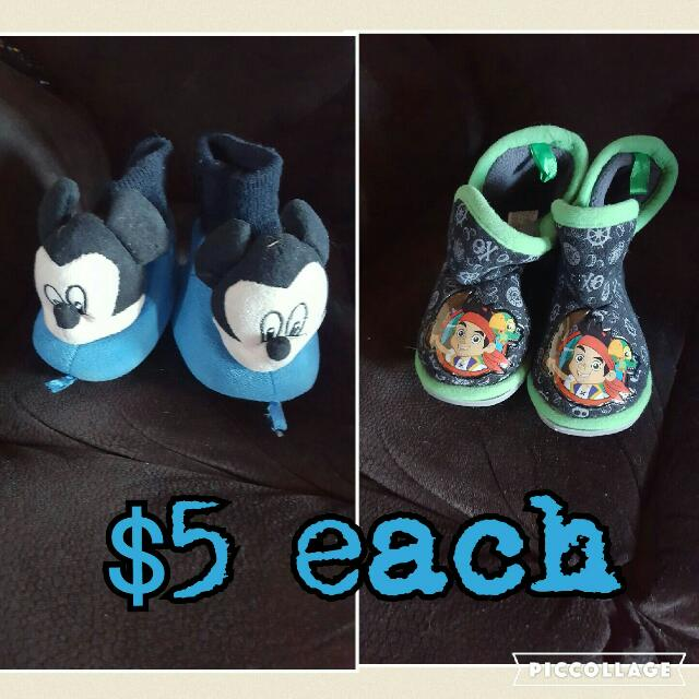 Boys slippers size 6 and 8