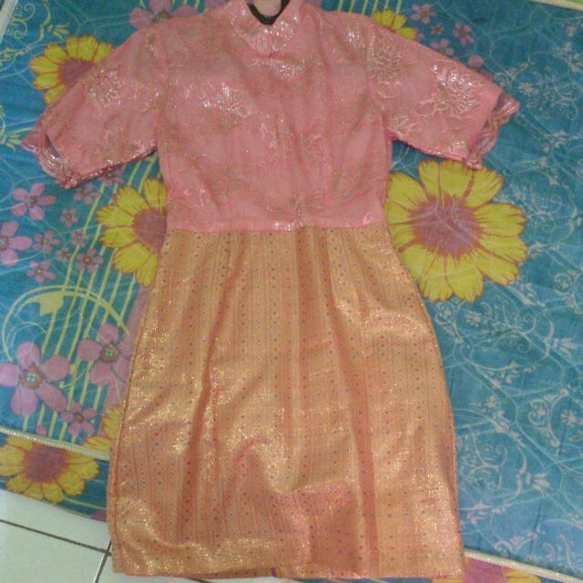 dress songket kebaya