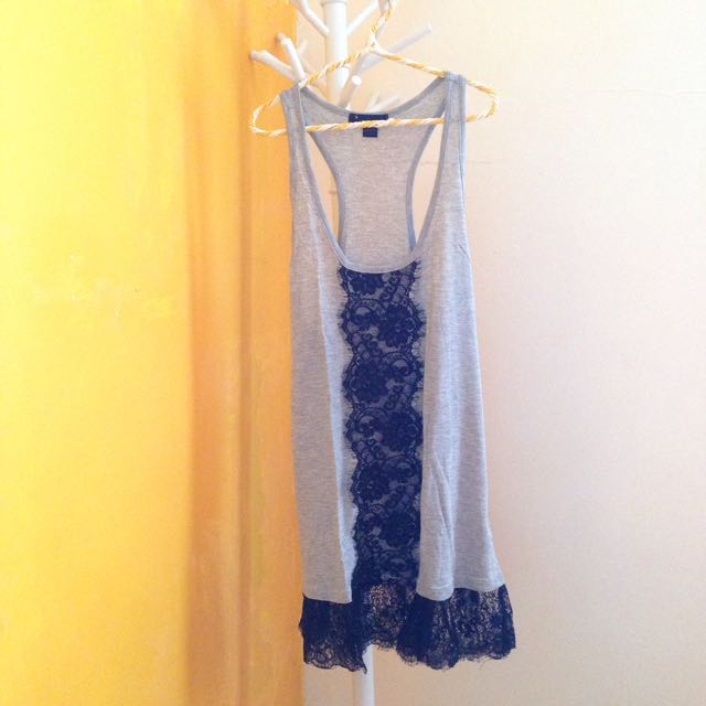 Forever21 Sleeveless Top With Lace