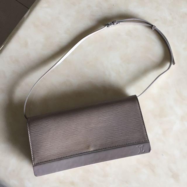 LV肩背包水波紋(正品)