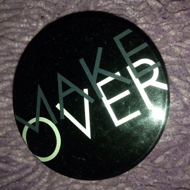 Make Over Bedak Tabur