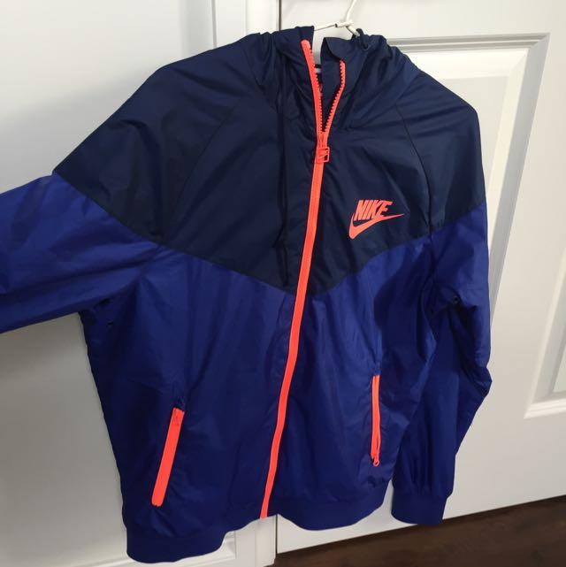 Nike Spray Jacket Size S