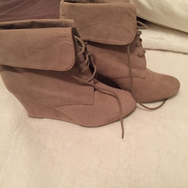 Tan Coloured Boots