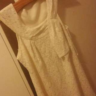 VANGELICA Size Small Beautiful lace Vintage Style Dress!
