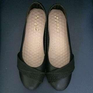 黑色低根包鞋