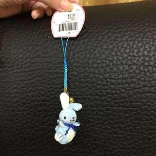 精緻日本藍色兔子鈴鐺吊飾